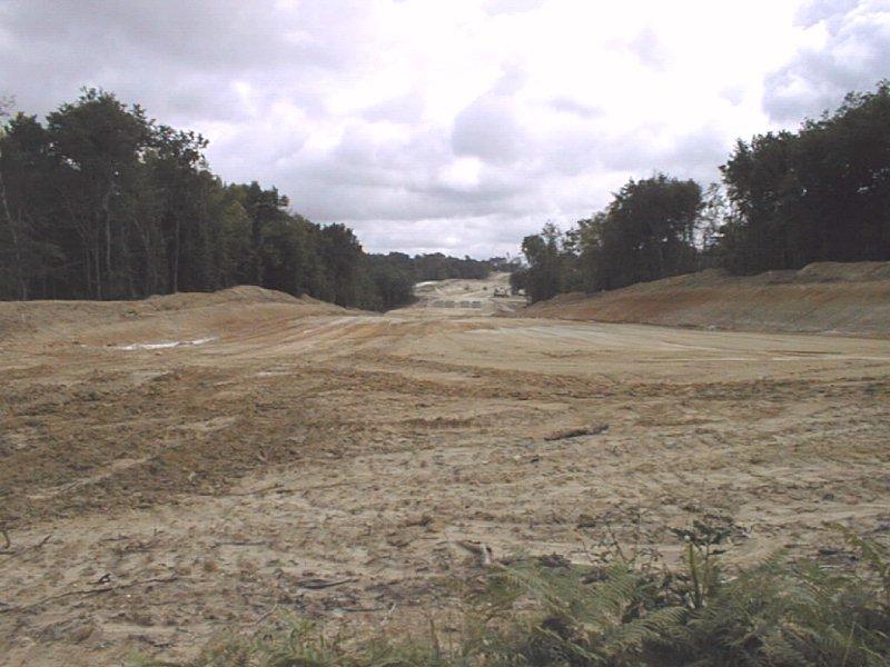Deforestazione in Francia durante la costruzione dell'autostrada A89 nei pressi di Montpon-Ménestérol, Dordogna