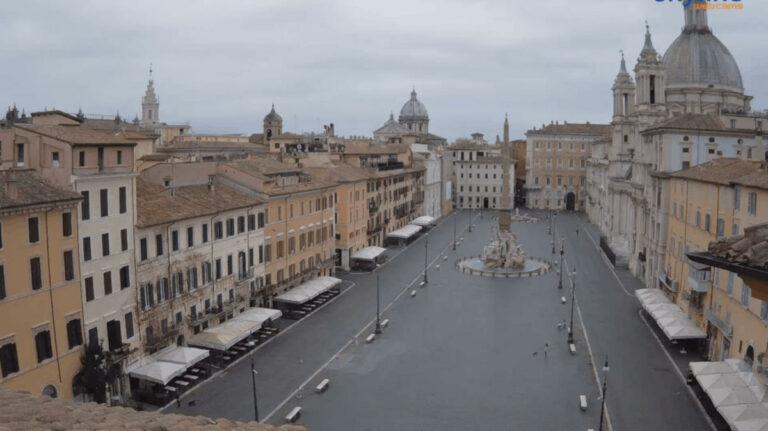 Piazza Navona deserta