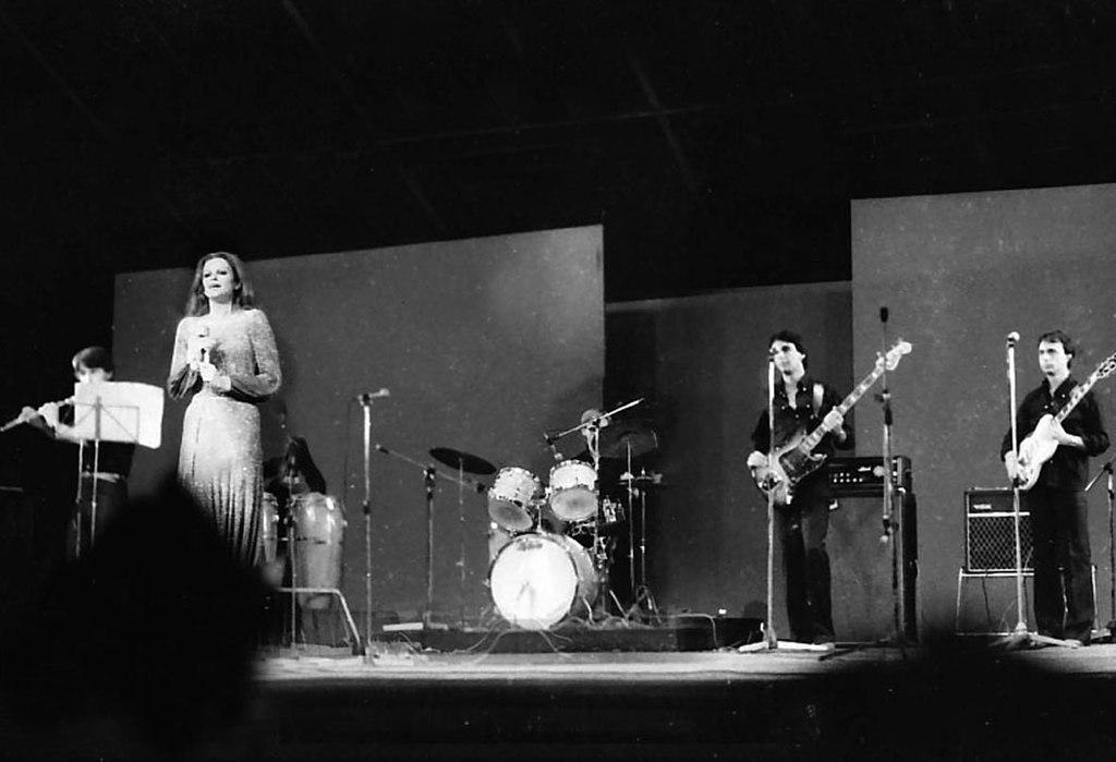 Milva in concerto alla Bussoladomani a Lido di Camaiore nel 1977